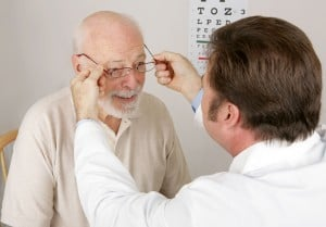 cataracts in seniors what to keep an eye out for
