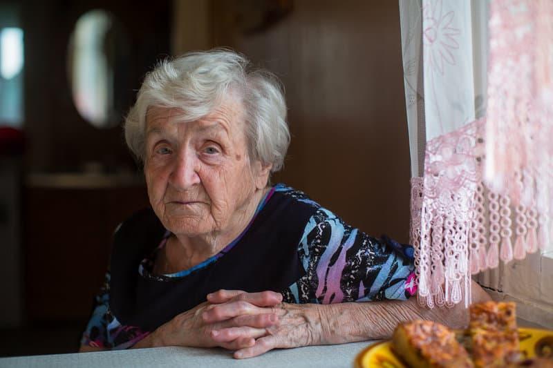how to detect undernourishment in seniors