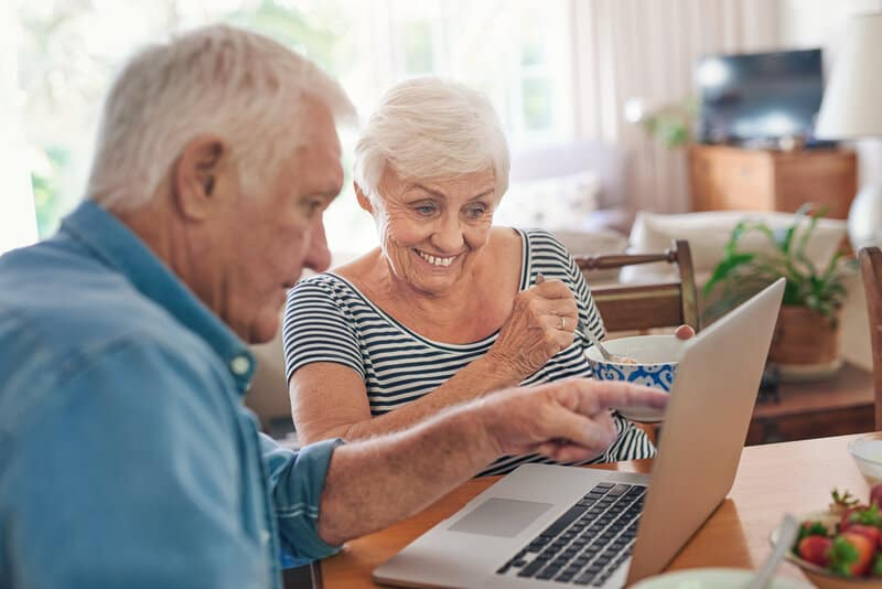 top 10 blogs for seniors